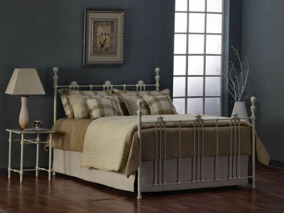 kenmare bed in oud wit